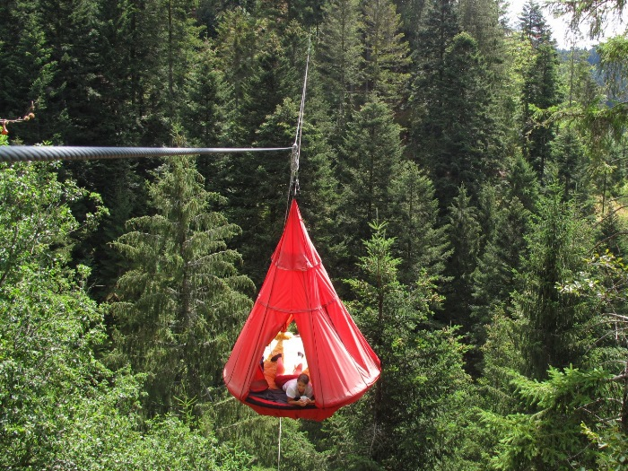 Airy camping without fear of heights