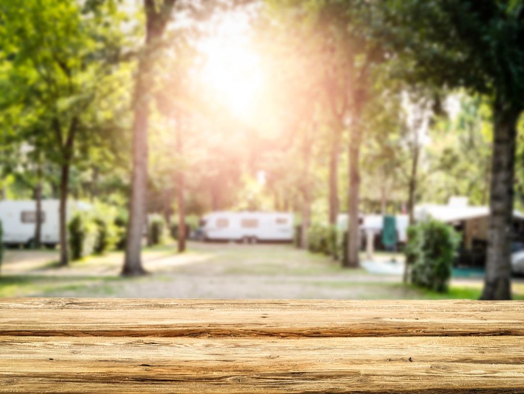 Onderzoek of de door jou gekozen camping al open is.