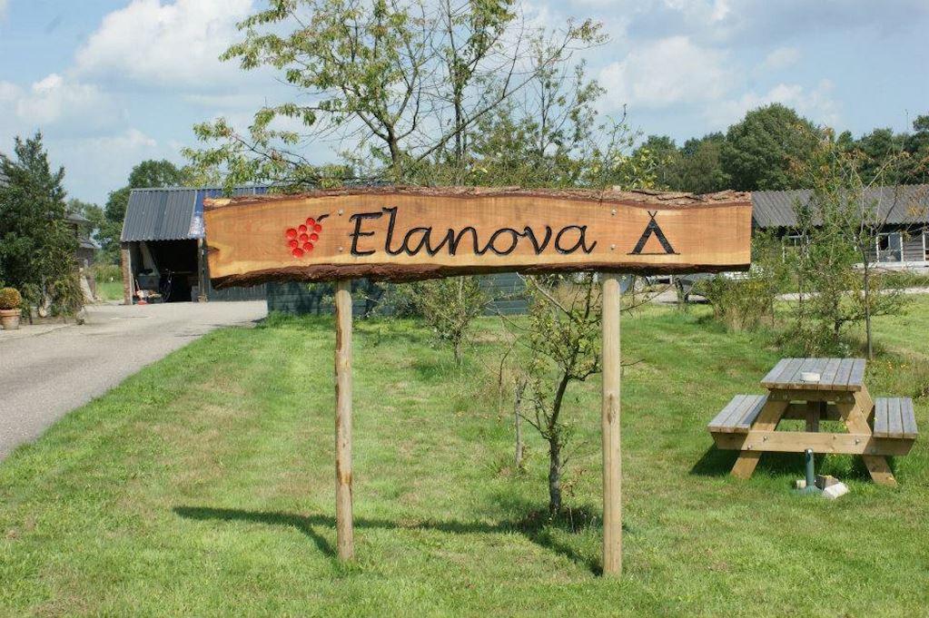 Wijnhoeve Elanova in Vorden