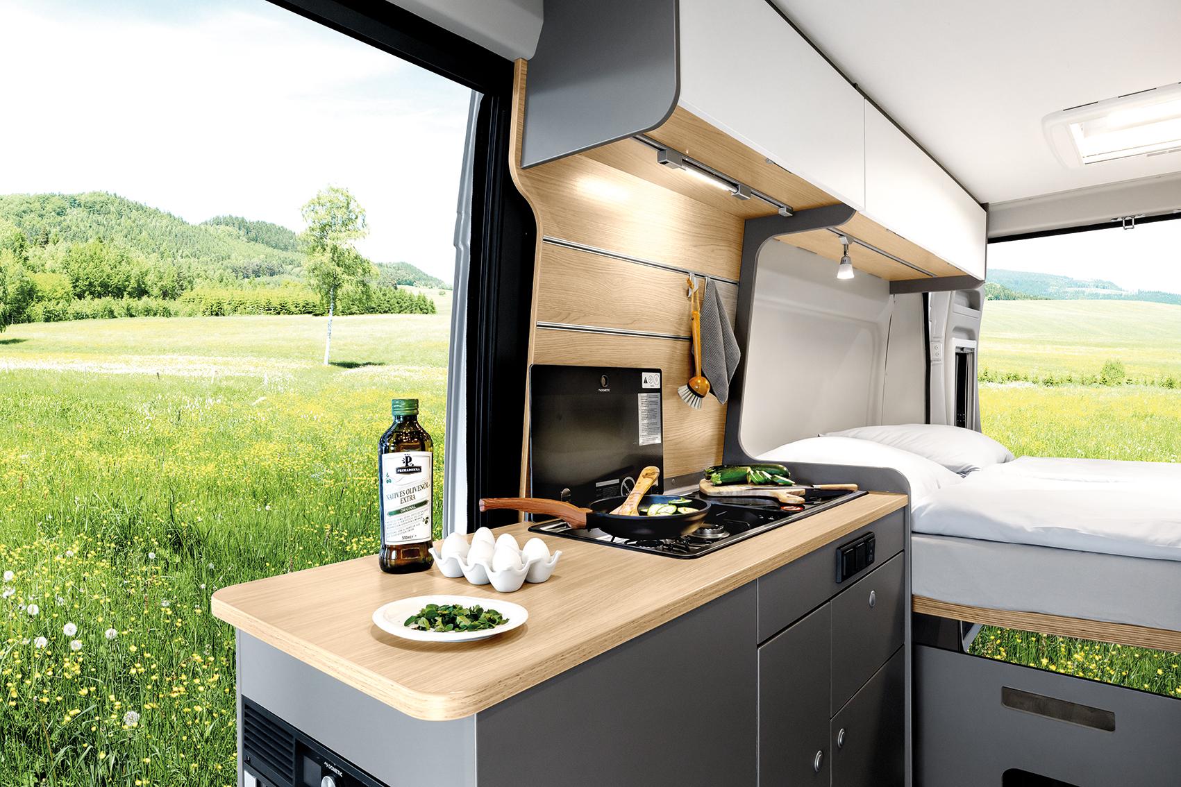 Keuken van de LMC Innovan.